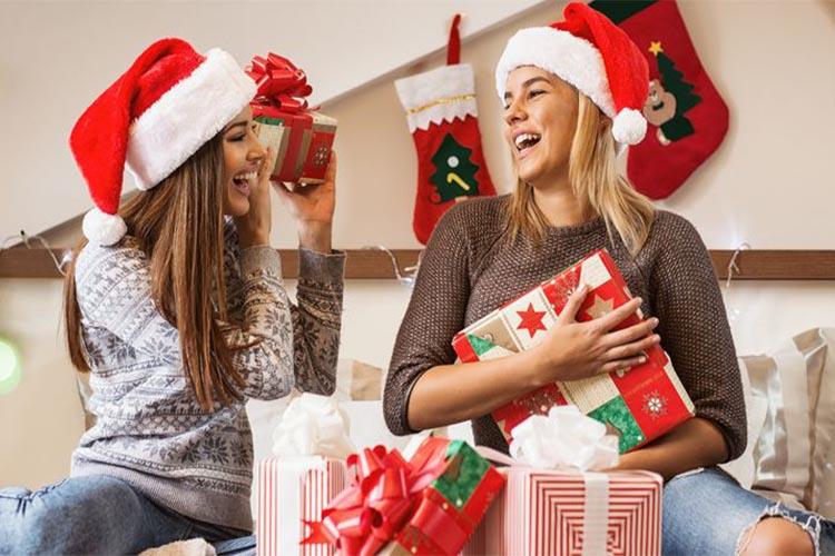 ΧΡΙΣΤΟΥΓΕΝΝΑ ΚΑΙ ΔΩΡΑ, Χριστούγεννα και δώρα: Όταν προσφέρουμε γινόμαστε πιο ευτυχισμένοι